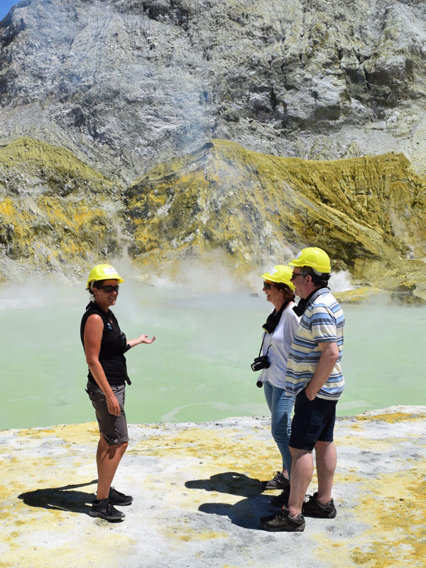 White Island Tours - Volcanic Air